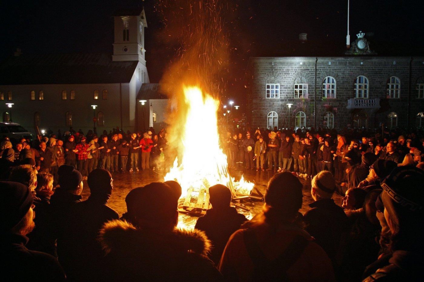 Protesters in Austurvöllur