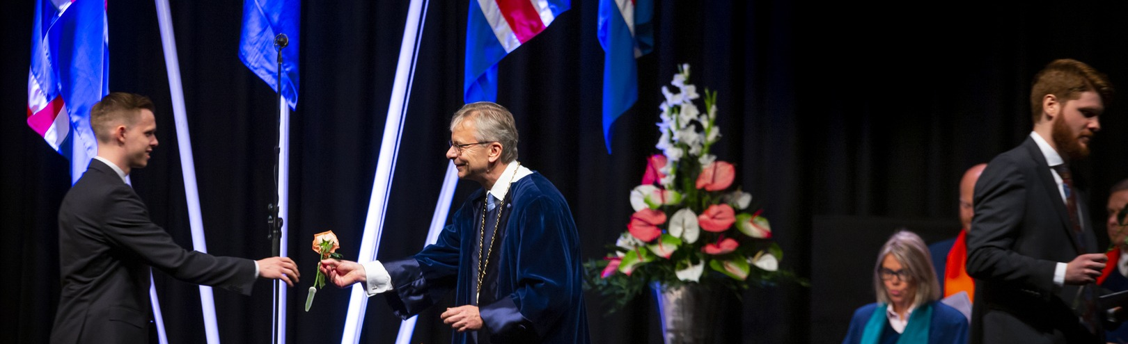 Record number of graduates from the University of Iceland - Available at University of Iceland