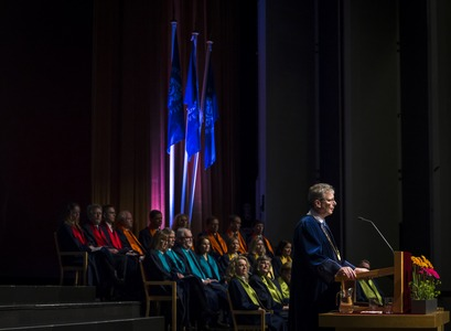 The graduates from the University of Iceland in February were 437 in total making the total number this year of graduating students from the University of Iceland 2,401.