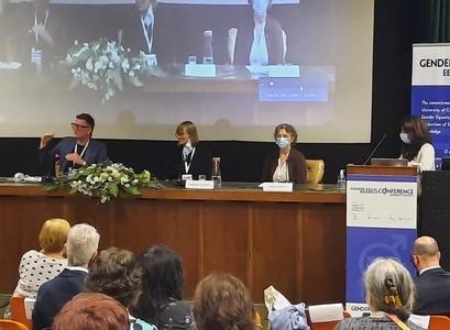 Arnar Gíslason, Finnborg Salome Steinþórsdóttir and Þorgerður Einarsdóttir at the conference at the Uniersity of Coimbra.