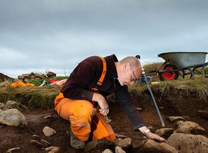 Gavin Lucas on excavation