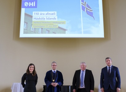 Katrín Jakobsdóttir, Prime Minister of Iceland, Bjarni Benediktsson, Minister of Finance and Economic Affairs, Sigurður Ingi Jóhannsson, Minister of Transport and Local Government and also the acting Minister of Education, Science and Culture, and Jón Atli Benediktsson, Rector of the University of Iceland, sign a letter of intent on the establishment of an exhibition on the presidency and work of Vigdís Finnbogadóttir. IMAGE / Kristinn Ingvarsson