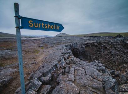 At Surtshellir