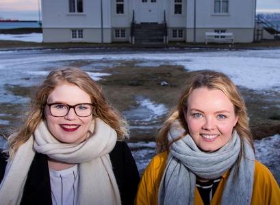 Hulda Hólmkelsdóttir and Álfrún Perla Baldursdóttir, BA students at the Faculty of Political Science